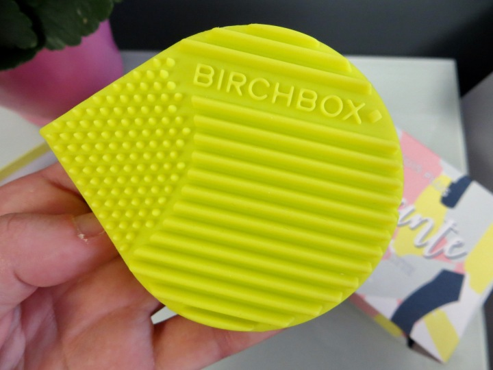 birchbox-janvier-nettoyant-pinceaux