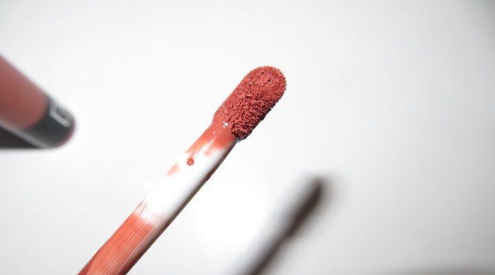 Everlasting lipstick Kat Von D pinceau electricmindweb