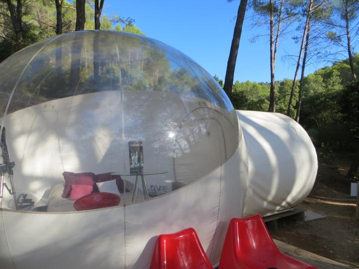 Une nuit insolite dans une bulle attrap reves bulle exterieur electricmindweb